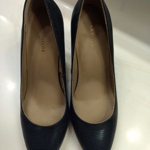 Shoes - Brand New Navy Ann Taylor Pumps